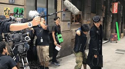 JoJo Cast BTS 14.png