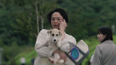 Taro holding Maron drama.png