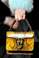 Anabela Belikova Gucci Fall 2011.png